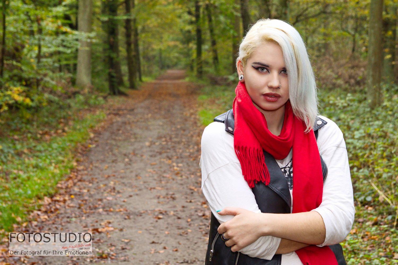 049_141030-knutas_9x13c
